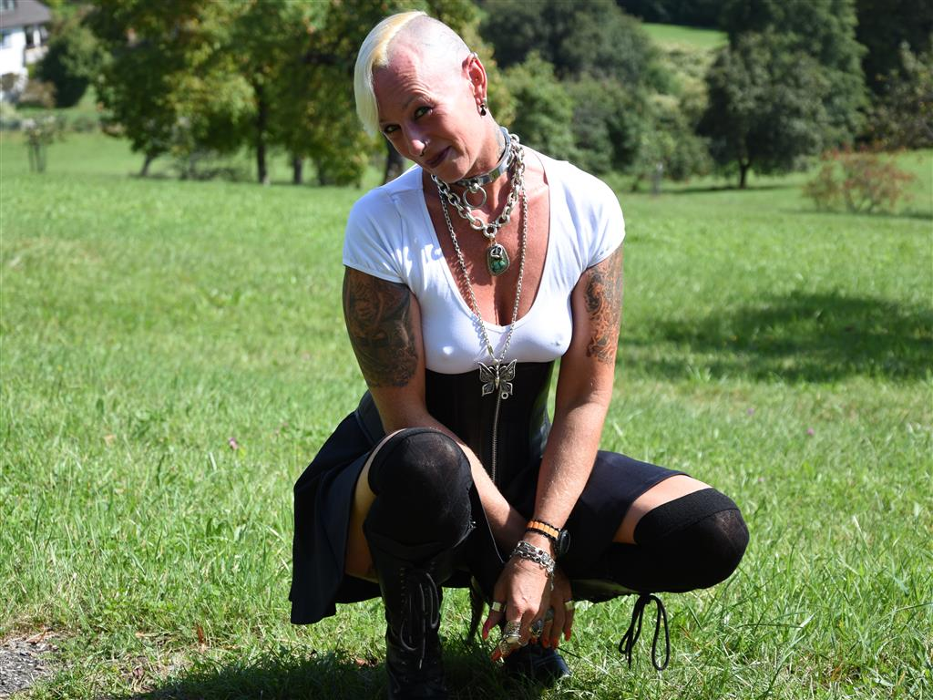 Reife Lady Isabell aus Linz